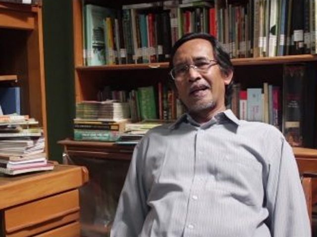 """Bahasa dan Sastra Sunda Mamat Sasmita: """"Saya Memilikinya"""""""