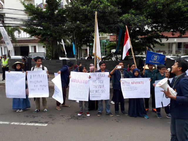 Setnov Bebas, Beberapa BEM di Bandung Gelar Aksi