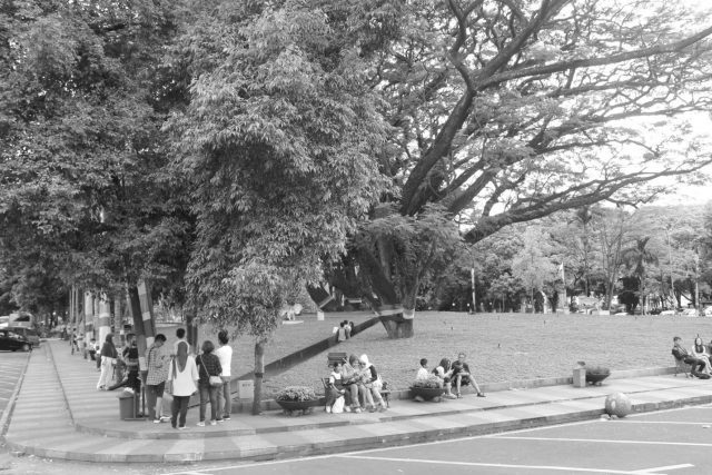 Tersesat di Taman Labirin Bandung